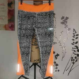 Nike dri fit women's leggings size M.
